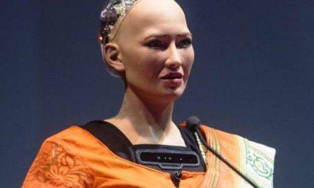 Sophia Robot Loses Parts on the Way to Ethiopia